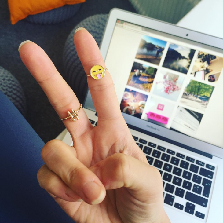 emoji ring design