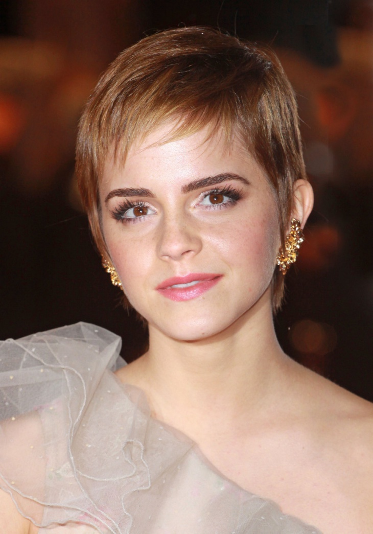 emma watson pixie haircut with wispy bangs