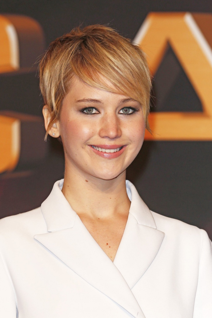 Jennifer Lawrence Short Pixie with Side Bangs