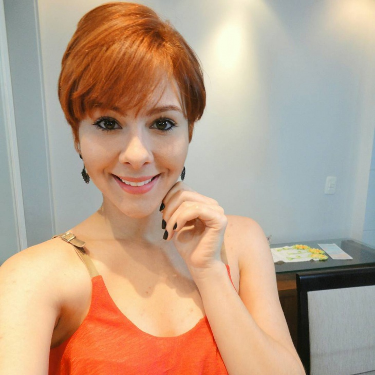 brown pixie hair with bangs