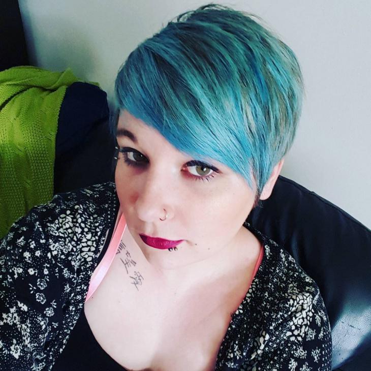 blue color pixie haistyle