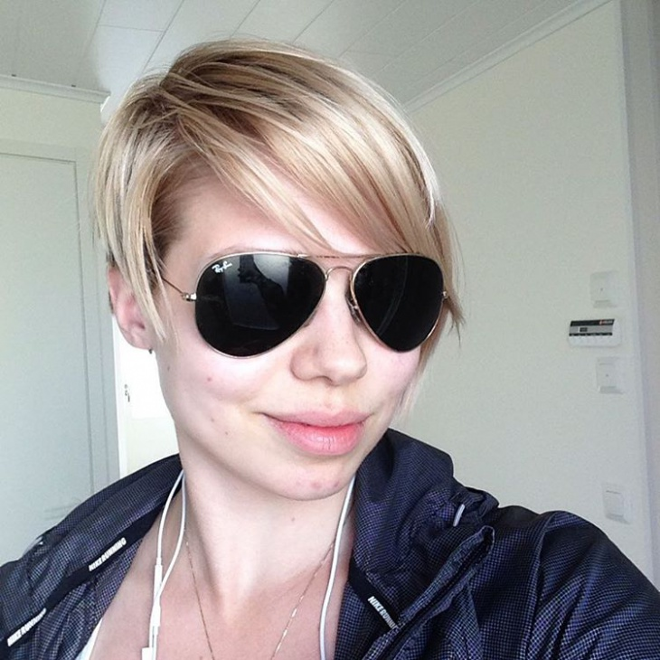 stylish pixie haircut with bangs