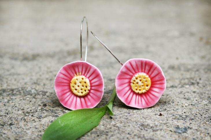 ceramic flower earrings design