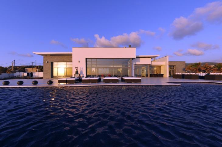 modern poolside minimalist idea
