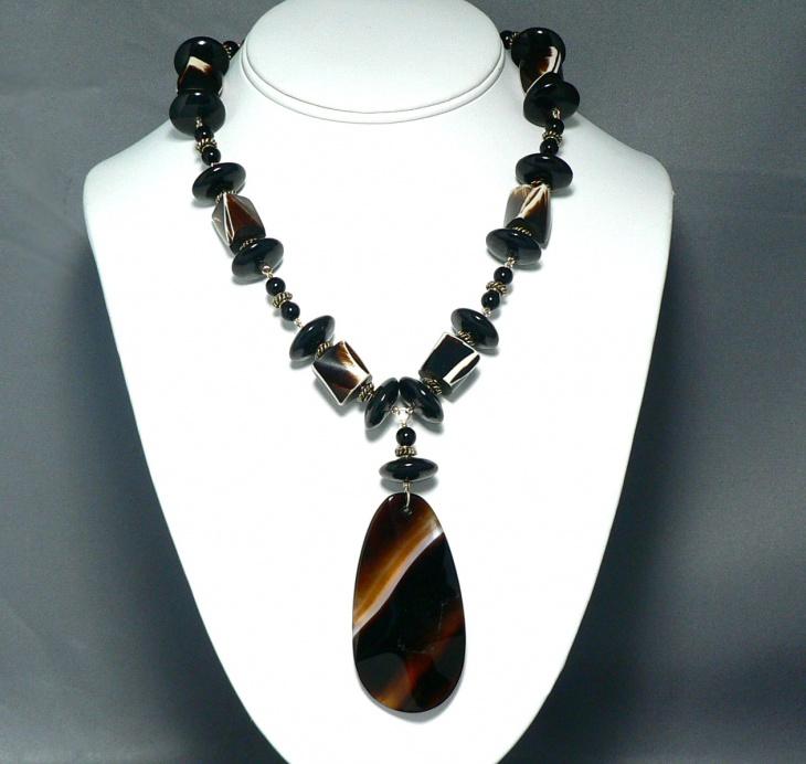 Oscar Agate Necklace Design