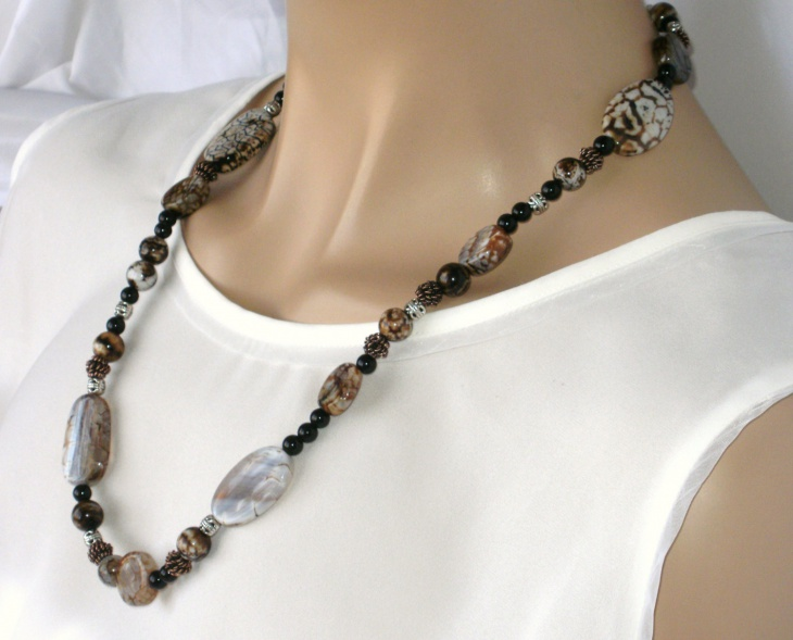 natural color agate necklace