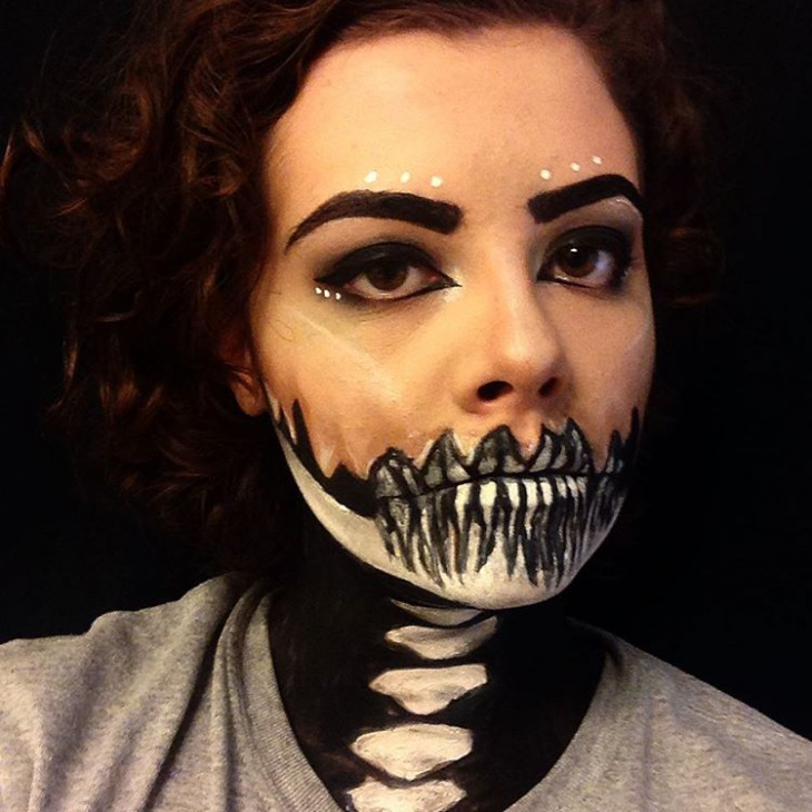 Skeleton Makeup for Lips