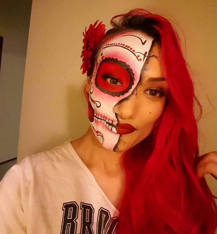 Side Suger Skull Makeup