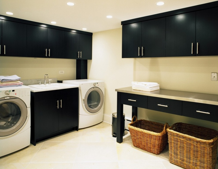 black white utility room idea