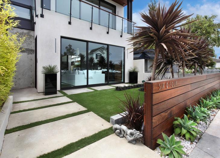 Small villa Front-yard