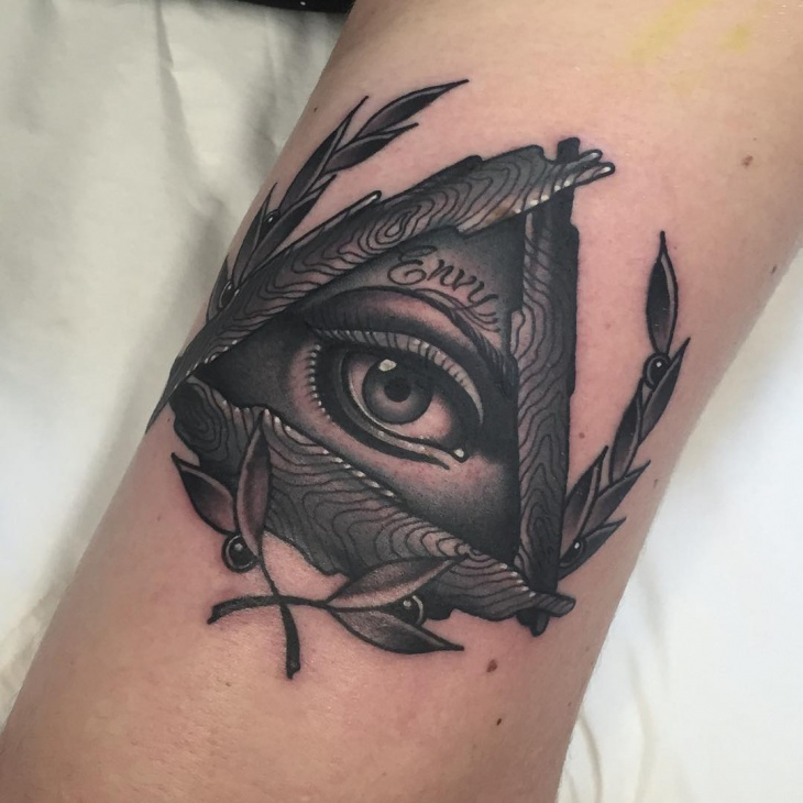 unique wreath eye tattoo