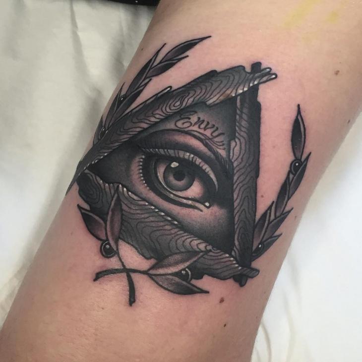 unique wreath eye tattoo