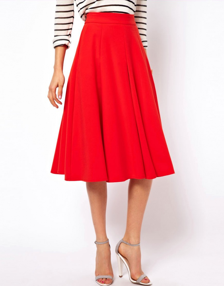 Named for its circular shape when seen from above, the circle skirt is defined largely by its ability to flare out, swirl playfully, and otherwise catch the wind. Often constructed of super light.