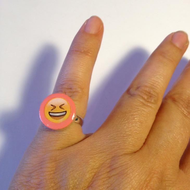 Emoji Mood Ring Design