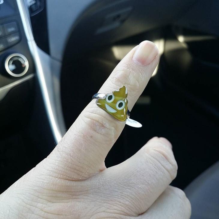 Smily Poop Emoji Ring