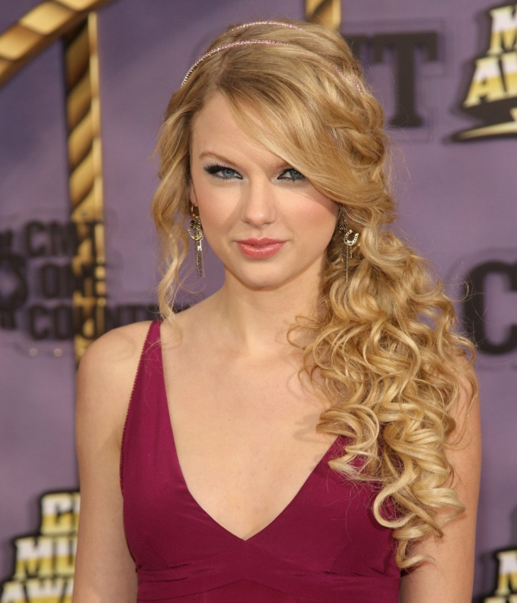 Taylor Swift Braided Curly Ponytail