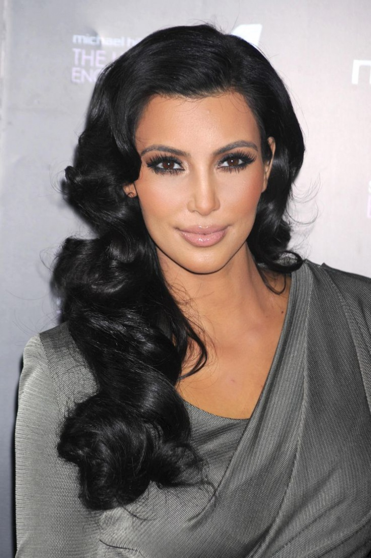 kim kardashian side parted hairstyle
