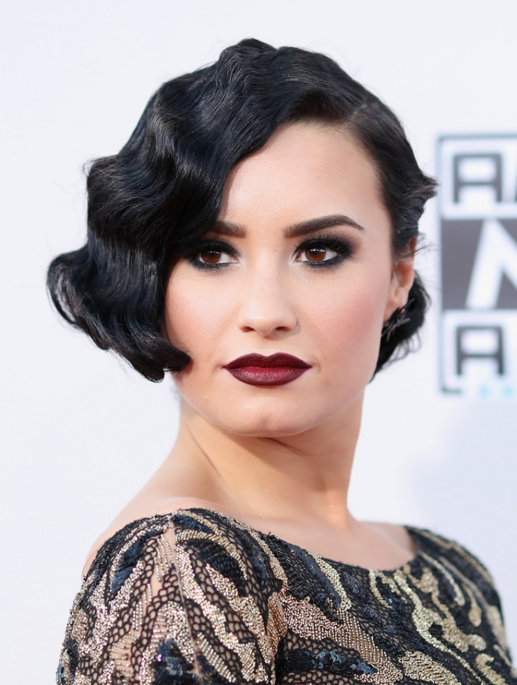 demi lovato finger wave haircut