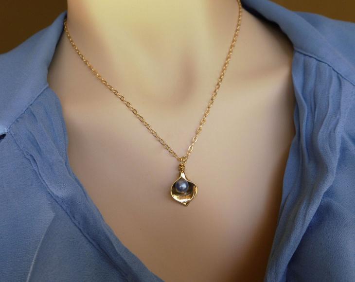 Pearl Calla Lily Pendant Chain