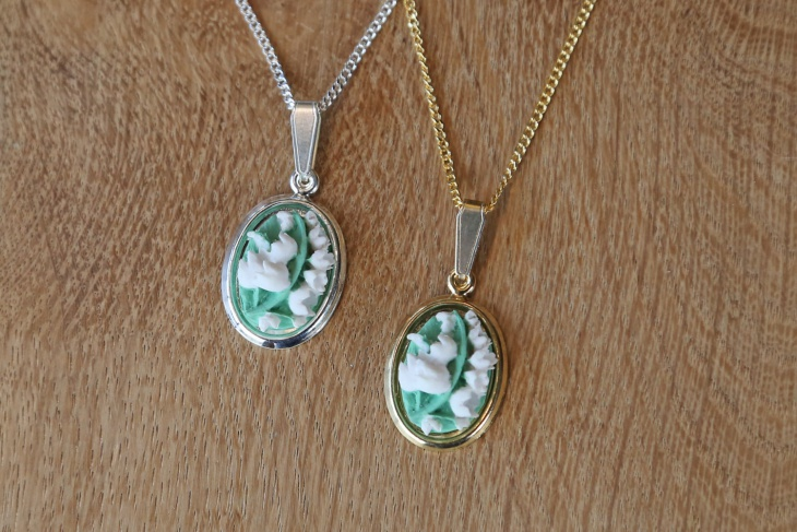 Lilly Valley Pendant Necklace