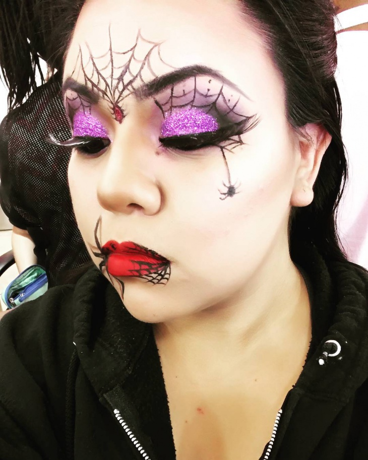 spider makeup for lips and eyes1