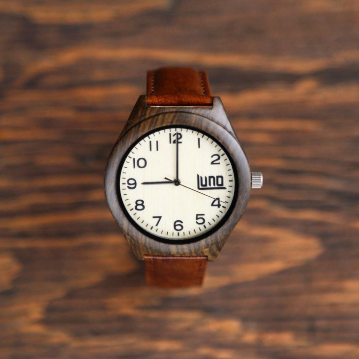 Simple Bamboo Watch Design