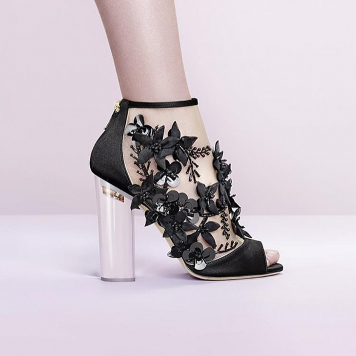 Awesome Lace Fantasy Shoes