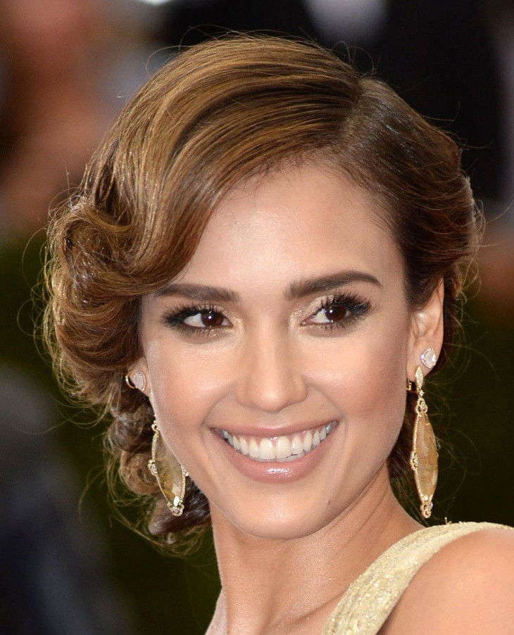 Jessica Alba Flapper Waves Hairstyle