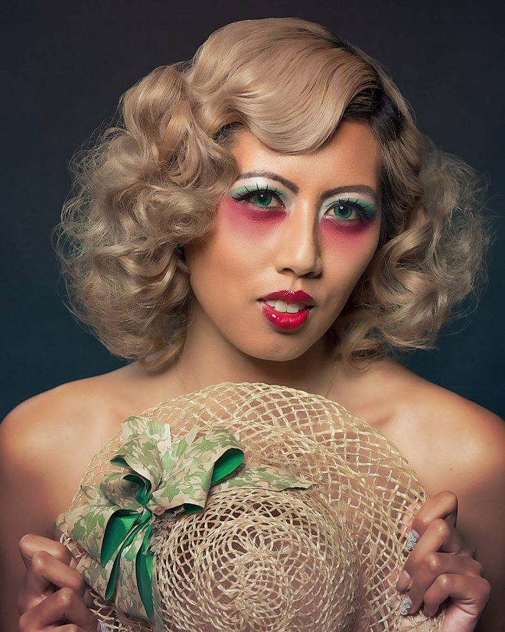 Retro Flapper Hairstyle and Makeup