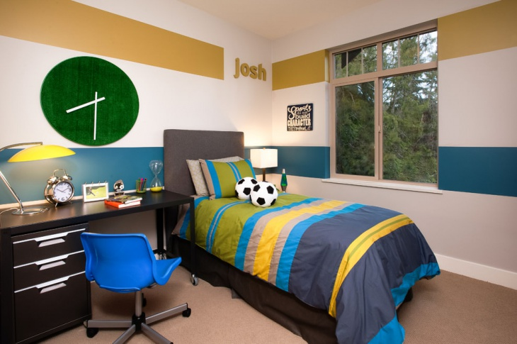 green wall clock idea