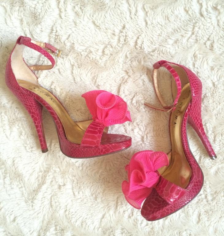 pink pom pom heels