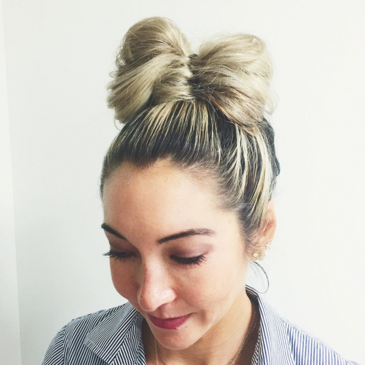 simple bow bun hairstyle idea
