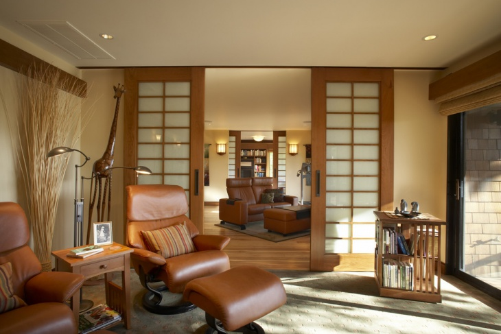 Decorative Living Room With Wood Partition