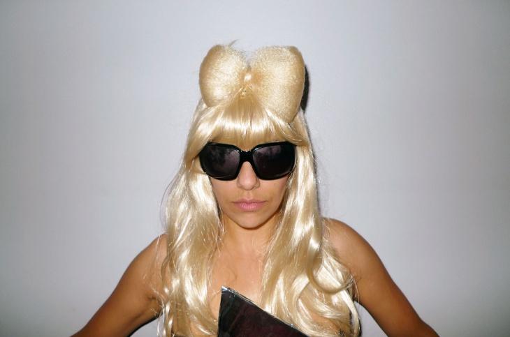 Lady Gaga Bow Hairstyle