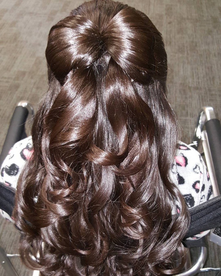 layered bow hairstyle