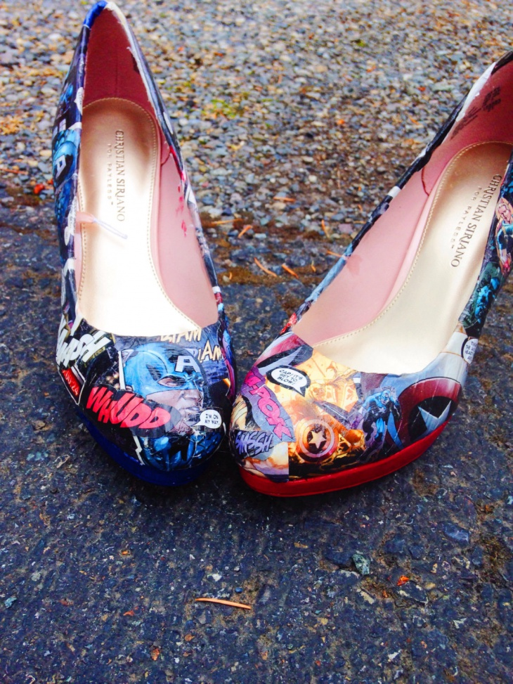 comic pumps heel