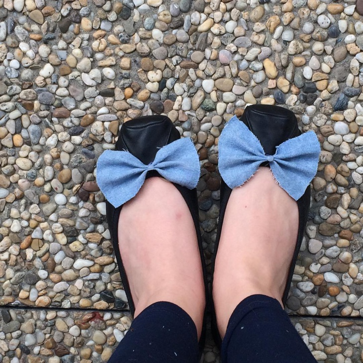 black diy bow pumps