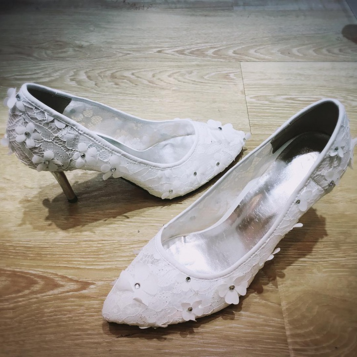 white lace diy high heels