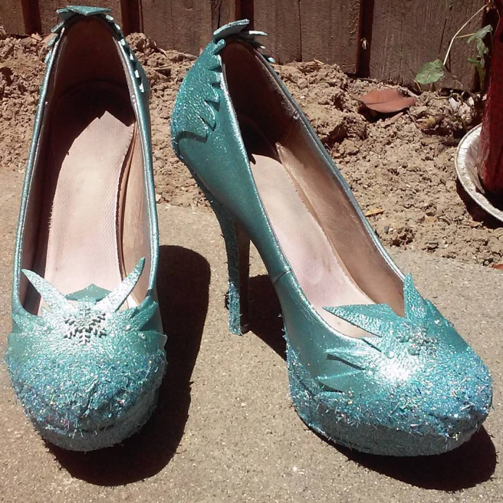 blue color diy pumps