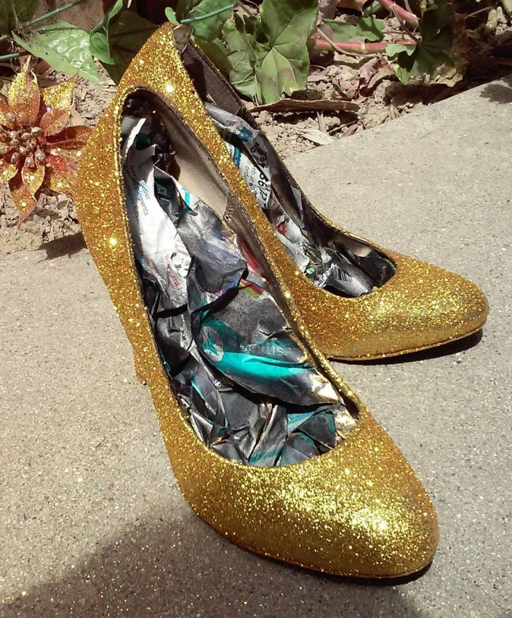 gold glitter diy pumps