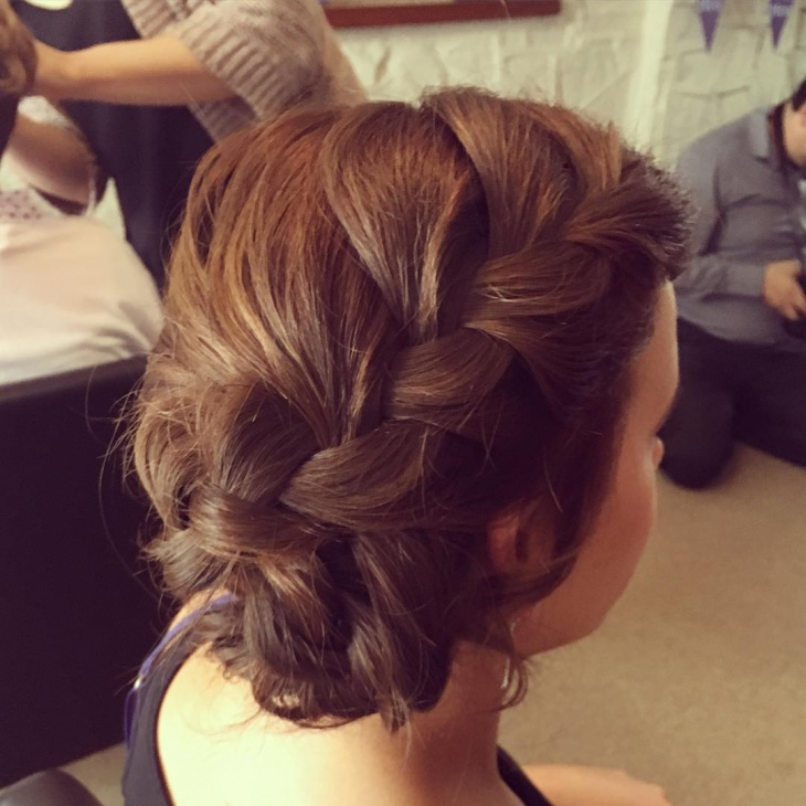 side bow hairstyle design