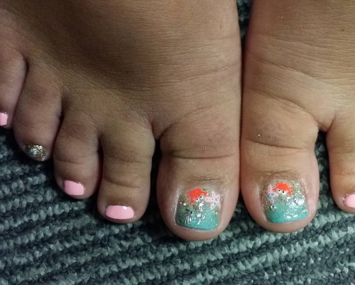 seashell toe nail art idea