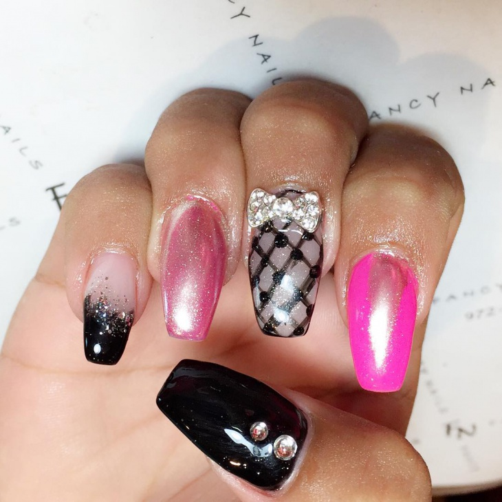 bow barbie nail design