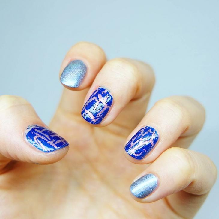 Blue Crackle Nail Art