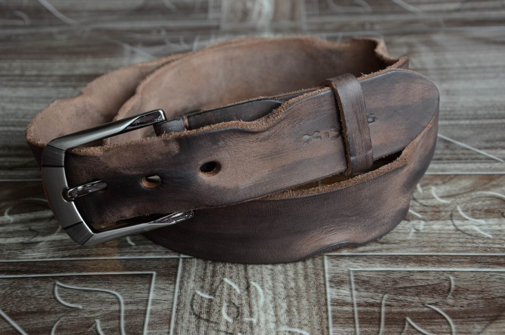 Cool Distressed Leather Belt Idea