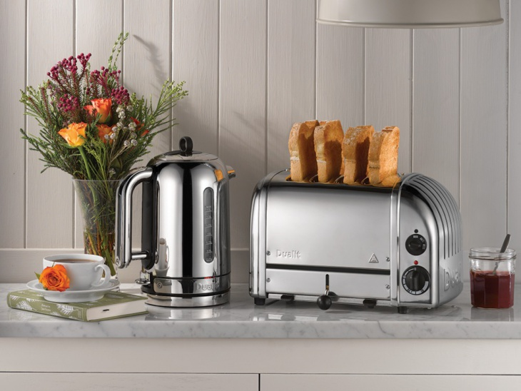 7 Toasters Designs To Provide Makeover To Your Kitchen