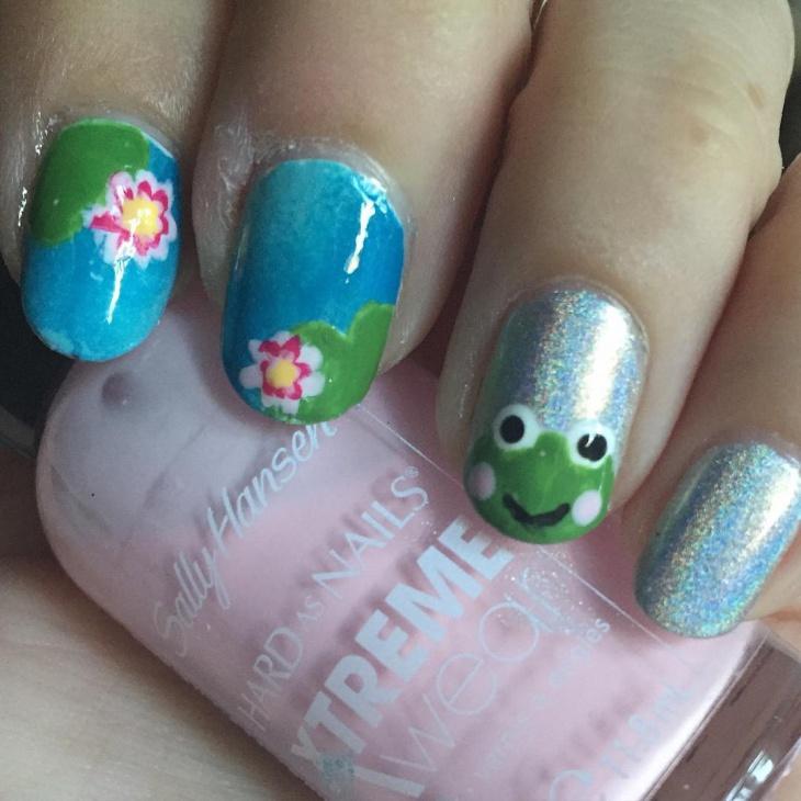 Silver Frog Nail Art Idea