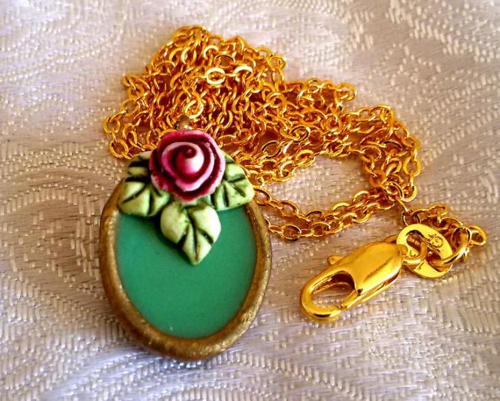 Ceramic Oval Pendant Necklace