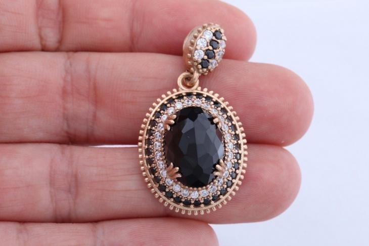black stones oval pendant