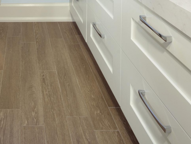 luxurious bathroom laminate flooring